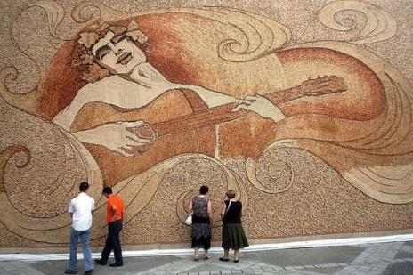 worlds-largest-cork-mosaic