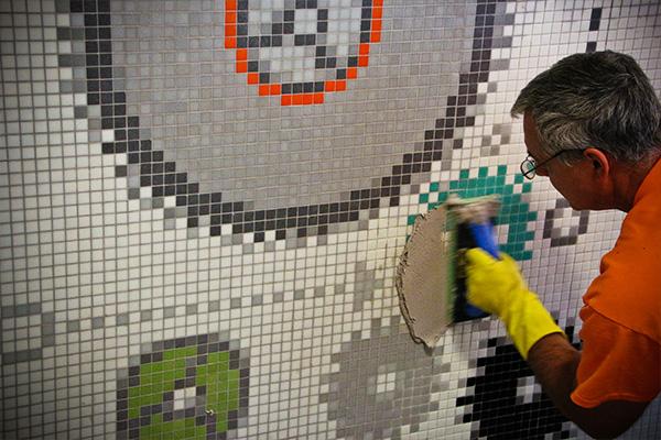 dng-2014-masschallenge-gears-mosaic-grout-installation_artaic