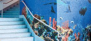 01143145 blue seascape mosaic column close up mosaic texas state aquarium 3/4 vitreous glass